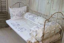 Łóżka schabby chic