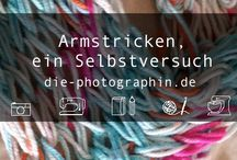 Stricknadel + Wolle   knitting needle + wool
