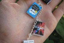 Book Swag Ideas for Givaways / Cool book swag ideas for authors!