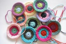 Crochet Circles & Hexagons / by Marie Cabagnaro Bodnar-Doty