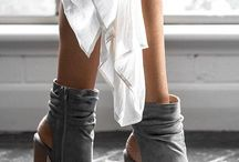 Peep toe boots