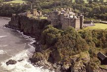 Stunning Scottish Castle Locations / Whether it's views over lochs, backdrops of mountains or sights leading out to Sea, our Scottish Castles have enviable locations.