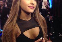 Ariana grande / Talk about hot