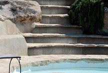 VENKOVNÍ DLAŽBA A OBKLAD / Máme pro Vás vše od venkovních a fasádních obkladů a dlažeb po bazénové mozaiky a obklady.