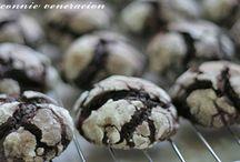Sweet Tooth / Desserts / by Debbie Walcott