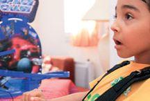 ▶ Discapacidad motora / Recopilamos en esta sección las soluciones, trucos, juegos de despertar y aprendizaje, de estimulación sensorial, de autonomía adaptadas a sus necesidades