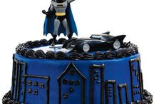 Batman & Superman cakes