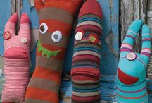 Sock Monsters / DIYs and examples of Sock Monsters