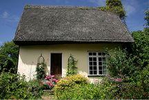 Cottages / by Alisa Austin