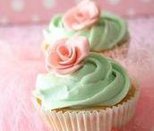 Cupcakes Cupcakes Cupcakes / by Vickie Kosnik