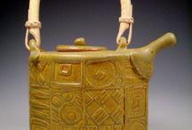 Vaisselle en céramique, bols, mugs, plats, théières, assiettes / Vaisselle en terre