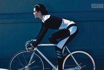 poses & bikes women