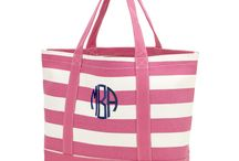 Custom Bags / Simply Bags - carries an extended line of stylish Custom Beach Bags. Whether you're looking for a single Beach Bag,  custom logo bag for a corporate event, or your dream beach wedding.