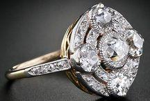 Antic jewelry