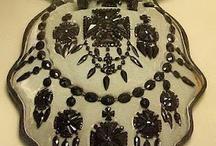 Jewelry / Vintage Jewelry & Unique Jewels