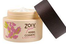 ZoiY.Pure huidverzorging / ZoiY herbal cosmetic bestaat voor meer dan 98% uit puur natuurlijke grondstoffen. ZoiY is vrij van minerale oliën, soja en palm(pit)oliën, siliconen, PEG, parabenen, ethanolamines, propyleen glycolen en MIT (Methylisothiazolinone).