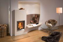 Chaleur douce -  warmth / Chauffage avec du bois dans un foyer radiant contemporain (poêle à accumulation - poêle de masse)