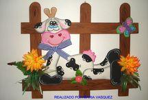 Decoraciones en fomi   / by Gloria Martinez
