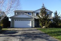 11316 NE 31st Avenue Vancouver, WA 98665 / Felida HUD Home!! Roomy 2 story on .19 acre lot, quiet dead end street. Tall ceilings, tile floors in entry. Main floor den/office w/ bay window. Kitchen has tile floors & eating bar, open to nook & family room w/gas fireplace. Vaulted master w/ walk-in closet, double sinks, jetted tub. Upstairs laundry w/utility sink. Spacious covered patio w/gas BBQ hookup.FHA buyers ok!! This property is now pending. If you need help finding a home like this one, please call us at (360)450-4486.