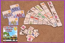 Patterns / Lessons and activities for teaching patterns to your students. Ideas are intended for prek, kindergarten, first grade, and second grade classrooms.