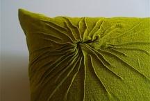 Cushions / by Paulina Dorant