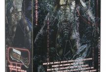 PREDATOR FIGURES AND STATUES / All products related to the Sci-Fi Predator movies.