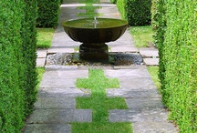 gardens/courtyards / beautiful spaces outside