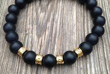 pulseiras de pedras pretas