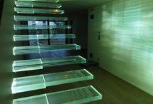 Escalier en verre - Glass Staircase / Présentation de différents Escaliers en verre, fabriqués par la miroiterie Righetti www.miroiterie.fr pour consulter nos réalisations d'Escaliers en Verre.  Some pictures of our Glass stairs made to measure. To see more Glass Stairs visit our website www.mylaminatedglass.com