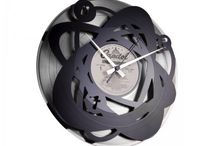 DISC'O'CLOCK / Produced from old LPS, Disk'o'Clock is the champion of reusing and recycling. Designed for a contemporary home these products showcase innovative design.
