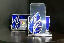 Tarjeteros en vitral y posa celulares en vitral