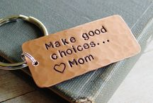 Family Metal Stamping Gift Ideas / Personalized, hand stamped gift ideas for family members!