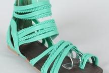 Shoes That Fit / by Lauren Granata