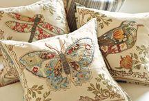 diferentes y bellos almohadones