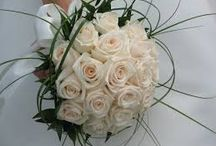 Flowers / The perfect floral arrangement to match your wedding theme