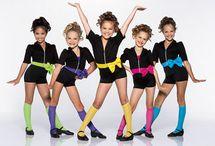 Tanecne kostymy