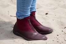 Winter Collection 2016-17 / Distinctive designs - beautiful colours – quality – best European materials, all ingredients of a Loints shoe. Inspired by nature our designers made new shoes which are a real addition to your collection in your store.