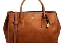 accessoires: sac, bijoux, ceinture....