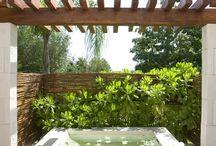 Hottube in tuin