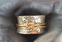 gros anneau avec noeud