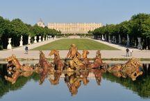 Partenariat Versailles / Chaire Savoir Faire d'Exception / L'ESSEC signe un partenariat avec le Château de Versailles et crée la Chaire ESSEC Savoir-Faire d'Exception avec le soutien de CHANEL, du groupe LVMH représenté par la Maison Dom Pérignon et Van Cleef & Arpels.