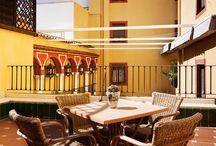 H10 Corregidor Boutique Hotel / El Boutique Hotel H10 Corregidor es un hotel lleno de encanto situado en el centro histórico y comercial de Sevilla, junto a los principales puntos turísticos de la ciudad. El establecimiento, que ofrece Wi-Fi gratuito para sus clientes, dispone de confortables habitaciones, un restaurante para desayunos y una cafetería con terraza situada en un fantástico patio sevillano.  www.h10hotels.com/es/hoteles-sevilla/h10-corregidor/ / by H10 Hotels