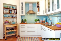Kitchen / by Bea Adan