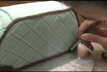 make up & purse cake