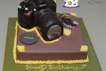 Camera Cakes / A collection of cakes designed as user cameras. / by Frances Gill