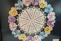 Lovely Vintage Linens and Handkerchiefs / Vintage linens and Handkerchiefs for the Collector