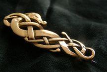 viking (spony, jehlice, hřebeny,...)