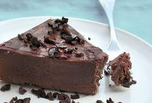 Foods: Paleo Recipes / by Jessamyn Herbert