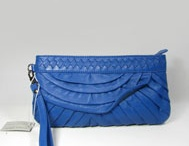 Discount hotsalehub Designer Handbags / by Rosie O'Donnell