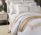 Linens / Luxury bed linens